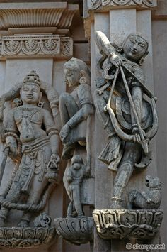 In Rome: Total War Alexander, there is a unit in the Indian faction that consists of lightly armed women fighting with longbows. Ancient Indian History, Asian History, Ancient Aliens, Ancient Art, Indian Temple Architecture, Asian Sculptures, Hindu Statues, Dance Art, Indian Art