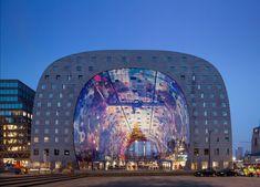 Un marché couvert par une fresque géante à Rotterdam