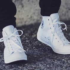 The Converse Chuck Taylor All Star is an American classic and just got improved with Nike's Lunarlon technology.