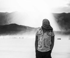 I don't know how many sand storms he endured for me out there. It was almost impossible to breathe when you were in the eye of it. But this guy.& all of his bad-assery.stood through them all 🌪📸🌪
