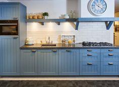 Blauwe keuken in rechte opstelling