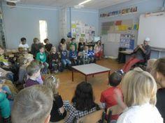 Daltonschool de Klimop kreeg in het kader van Jeelo-project Leren van personen van vroeger een echte schilder op bezoek