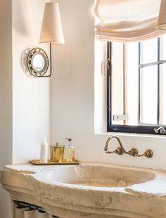Mediterranean-style dream home with rustic interiors in the Arizona desert Best Haus Deko IDeen Style Toscan, Style Deco, Cottage Interiors, Rustic Interiors, Home Interior, Bathroom Interior, Mansion Interior, Interior Plants, Tuscan Decorating