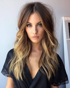 What are Balayage Technique & Ombré - The pros and cons of hair trends Winter Hairstyles, Messy Hairstyles, Pretty Hairstyles, Layered Hairstyles, Boho Hairstyles For Long Hair, Easy Beach Hairstyles, Hair Color And Cut, Hair Colour, Great Hair