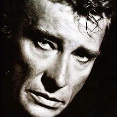 sandra06500 @lhallyday Tellement @jhallyday  Ce regard ce visage #charismatique #monidole Johnny Haliday, Elvis Presley Images, Photo D Art, Portraits, Music Artists, Black And White, Celebrities, Face, Singers