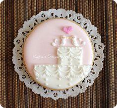 Lovebird Wedding Cake Cookie | Start a Cookie Business