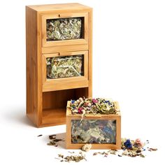 Tisane trio in bamboo mini drawers: awesome tea packaging!