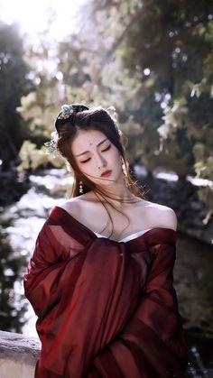 New fashion asian girly models ideas Beautiful Asian Women, Beautiful People, Beautiful Film, China Girl, Chinese Clothing, Asian Fashion, Chinese Fashion, Traditional Dresses, Traditional Chinese