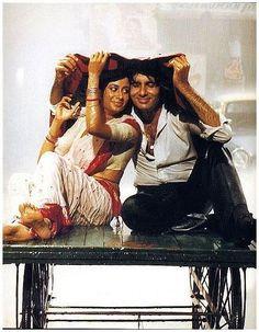 Smita Patil and Amitabh Bachchan Old Bollywood Movies, Bollywood Posters, Vintage Bollywood, Indian Bollywood, Bollywood Fashion, Bollywood Style, Aishwarya Rai Bachchan, Amitabh Bachchan, Deepika Padukone