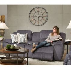 Franklin Furniture   Jensen Console Sofa W/Power Recline/Power Adjustable  Headrest/USB In Cobblestone