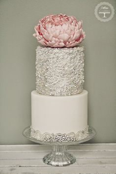 Metallic Wedding Cake | bellethemagazine.com
