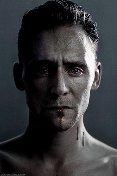 This is so beautiful and sad but at the same time. Tom Hiddleston Loki, Thomas William Hiddleston, Hot Actors, Actors & Actresses, Beautiful Boys, Loki Aesthetic, Asgard, Loki Marvel, Loki Laufeyson
