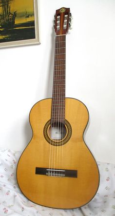 - Full size classical guitar nut Made in the in former GDR Laminate spruce top Eastern maple back and sides Rosewood fretboard I Stand Corrected, Classical Guitars, Neck Problems, Guitar Bag, Vintage Guitars, Best Player, Body Size, New Set, Pick One
