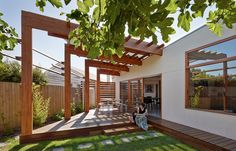 Fig trees, a growing family and Japanese design in Victoria. | Habitusliving.com