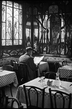 Paris 1900 Photo: André Kertés