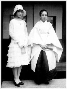 左から 高松宮喜久子妃 実枝子夫人