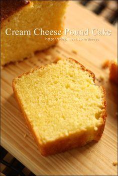 크림치즈를 넣어 만든 촉촉하고 부드러운 식감의 파운드케이크~♬ 크림치즈 파운드 케이크 ::<20*8*6 미... Cookie Desserts, No Bake Desserts, Cake Recipes, Dessert Recipes, Cream Cheese Pound Cake, Pastry Cake, Love Cake, Aesthetic Food, Cake Cookies