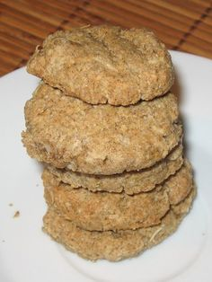 Gluten-free and milk-free coconut and buckwheat Sablés coco et sarrasin sans gluten et sans lait Here is a delicious recipe for gluten-free and lactose-free coconut and buckwheat shortbread - Vegan Dessert Recipes, Raw Food Recipes, Gluten Free Recipes, Sweet Recipes, Healthy Recipes, Sem Lactose, Lactose Free, Dairy Free, Mary Berry