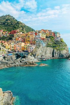 Manarola, Cinque Terre, from 23 Amazing Places You Must Include On Your Italian . - Manarola, Cinque Terre, from 23 Amazing Places You Must Include On Your Italian Road Trip – Hand - Travel Around The World, Around The Worlds, Couple Travel, Italian Village, Destination Voyage, Photos Voyages, Travel Aesthetic, Water Aesthetic, Beach Aesthetic