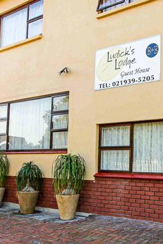 Pool Table, Credit Cards, Cape Town, Bed And Breakfast, Lodges, Swimming Pools, Bedroom, Modern, House