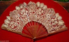 ANTIQUE  CELLULOID AND LACE HAND FAN