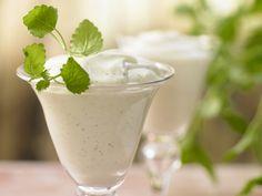 Schmeckt deutschlandweit ;-) Bayrische Creme mit Quark – smarter - Das klassische Dessert mit Quark leicht gemacht - smarter - Kalorien: 265 Kcal - Zeit: 40 Min. | eatsmarter.de