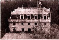 Palacete La Huerta What's Art ? Architecture Panel, Architecture Design, Most Beautiful Pictures, Cool Pictures, Foto Madrid, Hip Roof, Building Facade, In The Heights, Taj Mahal