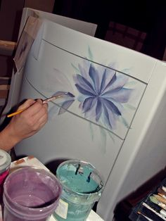 decorazione fiori eseguita a mano step-by-step #decorazioni #mobilidecorati