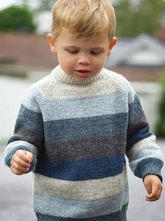 Knit Baby Sweaters, Boys Sweaters, Winter Sweaters, Men Sweater, Crochet For Boys, Knitting For Kids, Baby Knitting, Easy Knitting Patterns, Toddler Outfits