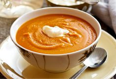 This slow-cooker pumpkin soup is packed with flavour. Let it simmer while you get on with other things. Multi Cooker Recipes, Slow Cooker Recipes, Soup Recipes, Vegan Recipes, Cooking Recipes, Slow Cooker Pumpkin Soup, Slow Cooker Soup, Lentil Curry, Best Slow Cooker