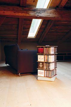 Musikstapler I Tom Fischer I 2006 I shelf I ©Jäger & Jäger