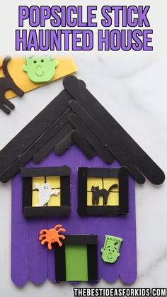 halloween crafts for toddlers This popsicle stick haunted house craft is such a fun Halloween activity for kids. Kids will love painting and decorating these haunted houses Halloween Arts And Crafts, Halloween Activities For Kids, Halloween Projects, Diy Halloween Decorations, Holiday Crafts, Halloween Halloween, Halloween Crafts Kindergarten, Deco Porte Halloween, Deco Haloween