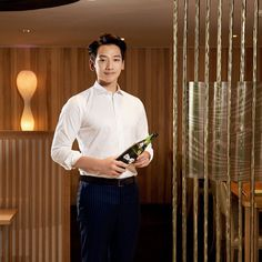 [2 images] Rain sponsor check. (Lotte Hotel Busan and Mentholatum China).