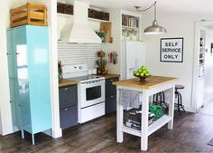 Small Kitchen Makeover Fabulous small kitchen makeover from Gina at The Shabby Creek Cottage - Think your kitchen is too small for big style? This tiny kitchen is full of character and storage (and yes - it's a mobile home! Ikea Kitchen, Kitchen Pantry, Kitchen Decor, Kitchen Ideas, Kitchen Designs, Pantry Ideas, Kitchen Shelves, Butcher Block Countertops, Marble Countertops