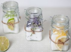 10 DIY Mothers Day Gifts, change of colors and makes just as good holiday gifts