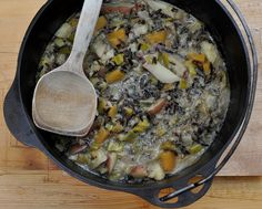 Recipe for classic creamy wild rice soup. Wild Rice Recipes, Soup Recipes, Vegetarian Recipes, Healthy Recipes, Fall Recipes, Healthy Food, Healthy Eating, One Pot Meals, Easy Meals