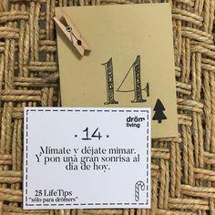 Dröm Living: Especialistas en reformas integrales e Interiorismo en Barcelona Cards Against Humanity, Smile
