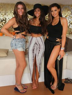 party outfit Michelle Keegan, Jessica Wright and Brooke Vincent party at Ocean Beach in Ibiza. Michelle Keegan, Jessica Wright und Brooke Vincent feiern am Ocean Beach in Ibiza am August 2015 Ibiza Outfits, Night Outfits, Outfits For Teens, Fashion Outfits, Summer Vegas Outfit, Las Vegas Outfit, Summer Outfits, Pool Party Outfits, Boat Party Outfit