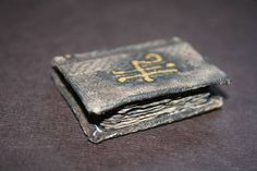 Miniature Aged Spell Book With (Cheaters) Picture Tutorial (Photo Obese) Book Journal, Journals, Mini Things, Artist Trading Cards, Handmade Books, Book Binding, Book Making, Altered Books, Mini Books