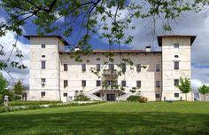 Unterwegs zu den Schlössern und Burgen von Friaul Mansions, Lifestyle, House Styles, Home Decor, Castles, Viajes, Homes, Lawn And Garden, Decoration Home