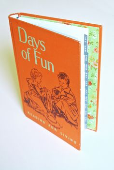 Re-purpose an old book's cover ::: Create a vintage book planner   I'd like to make one for a friend as a gift for Xmas!