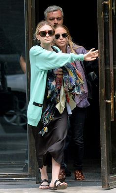 MARY-KATE + ASHLEY   PASTELS + BLACK IN NYC – Photos via: DailyMail UK – Mary-Kate and Ashley head out to lunch in NYC wearing pastel and black looks. – Get MK's look: + Ray-Ban Highstreet Matte Aviator Sunglasses + Adriana Orsini Liner Post Top Drop...