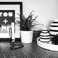 Instagram @grayglow | Kitchen vignette | Kitchen decor | Kähler Omaggio | Scandinavian style | Fern | DIY print | HAY Lup candleholder | Black and white