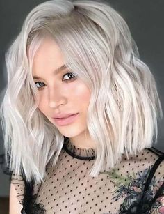 Discover the stunning shades of platinum pearl hair colors to make your hair loo… - Platinum Blonde Hair Edgy Haircuts, Girl Haircuts, Undercut Hairstyles, Pearl Blonde, Pearl Hair, 2018 Hair Color Trends, Platinum Hair Color, Blonde Bob Haircut, Perfect Hair Color