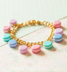 Beautiful handmade bracelet with tiny macaron charms. Looks very realistic and super cute! Handmade Bracelets, Jewelry Bracelets, Kawaii Jewelry, Mini Foods, Cute Diys, Kawaii Fashion, Clay Crafts, Pastel Colors, Macarons