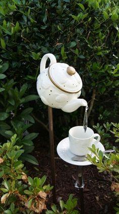 Tea Garden Diy Tutorial, Tea Pots, Easy Diy, Crafty, Lawn, Christmas Ornaments, Holiday Decor, Projects, House