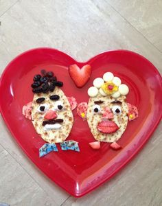 A loved up pair of Mr and Mrs Potato Head pancakes. Thanks to @jammyjojo1 for entering our #PancakeSelfie prize draw. T&Cs apply.