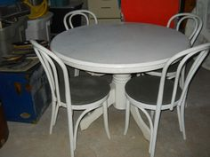 Upcycled dining set with chalk paint and curtains