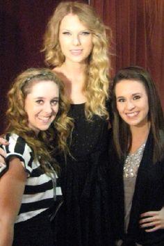 Megan & Liz Mace with Taylor Swift