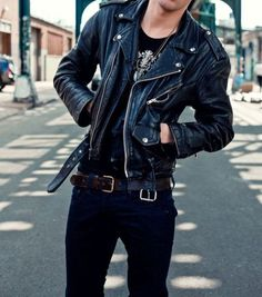 11 Best Mens Fashion Tips To Elevate Your Style! 11 Best Mens Fashion Tips To Elevate Your Style! Leather Jacket Outfits, Men's Leather Jacket, Leather Jackets, Jacket Men, Streetwear Mode, Streetwear Fashion, Fashion Mode, Urban Fashion, Look Man